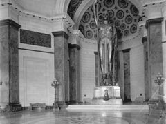 1931  Estatua de la Republica by <b>edithesca</b> ( a Panoramio image )