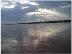 Nong Khai : bords du Mekong by <b>Ocram</b> ( a Panoramio image )