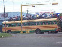 Un autobus un pelin lleno by <b>Alberto Illarramendi</b> ( a Panoramio image )
