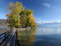 Thuner See in autumn by <b>hubert.zumbach</b> ( a Panoramio image )