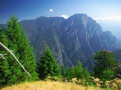 ntavalista path...trapezitsa mt! by <b>dimisg</b> ( a Panoramio image )