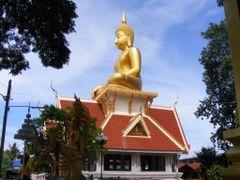 Big Buddha in Wat Chorm Nang by <b>pr8ngkiet</b> ( a Panoramio image )