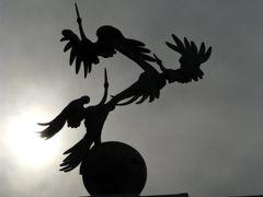 """Tachkent : place de l""""Independance, statue en bronze : l""""envol d by <b>JLMEVEL</b> ( a Panoramio image )"""