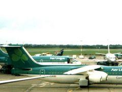 CSA 734, Aer Lingus 146/735/F50, RyanAir 73S, Shorts 360 - Dubli by <b>Andre Bonacin</b> ( a Panoramio image )