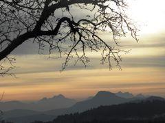 Abendstimmung, Blick zum Ulrichsberg und Karnische Alpen by <b>Andromeda/R. Stetschnig</b> ( a Panoramio image )