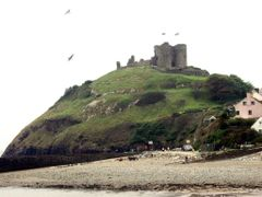 Criccieth Castle by <b>Graham Hobster</b> ( a Panoramio image )