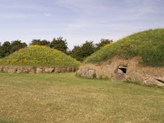 20060716-016 Irl Co Meath Bru na Boinne Knowth by <b>Frank Niepelt</b> ( a Panoramio image )