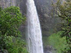 #68 Bridal Vail Falls  by <b>steve111</b> ( a Panoramio image )