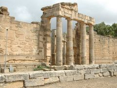 Libie - In the Super excavations of Cyrene- South-entrance to th by <b>Ben de Graaf Bierbrauwer</b> ( a Panoramio image )