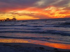 Beach at sunset, Pier 60 by <b>Tomros</b> ( a Panoramio image )