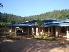 Circuit bungalow at Ambuluwawa by <b>jmsbandara</b> ( a Panoramio image )