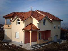 куќа by <b>toniriste</b> ( a Panoramio image )