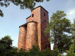 Fired clay silo by <b>Ryan Calhoun</b> ( a Panoramio image )