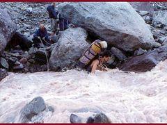 Kyzylsu River by <b>www.turclubmai.ru</b> ( a Panoramio image )