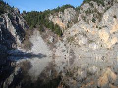 BLUE LAKE by <b>Jadranko Katavic</b> ( a Panoramio image )