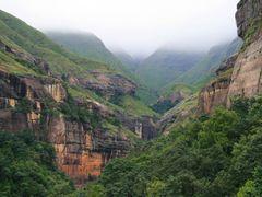 Royal Natal National Park walk Nov 2006 by <b>Huw Harlech</b> ( a Panoramio image )