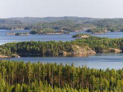 A view from Neitvuori to Luonteri archipelago by <b>Sampo Kiviniemi</b> ( a Panoramio image )
