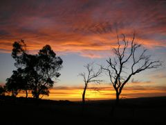 Red Sky at Night, Shepherds Delight by <b>sugarbag1</b> ( a Panoramio image )