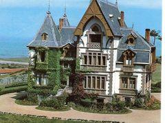 Casa senorial Felix Inigo Comillas by <b>Angel Madrileno</b> ( a Panoramio image )