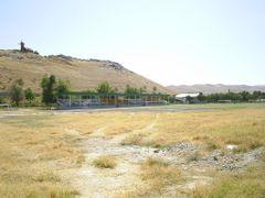 Jizzax, Stadion u Pianoj Gory by <b>pyccak77</b> ( a Panoramio image )