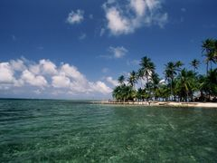 Clear water Palms and blue sky, San Blas by <b>JohnMacdonald</b> ( a Panoramio image )
