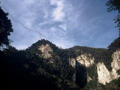 Bat exodus from Deer Cave by <b>JohnMacdonald</b> ( a Panoramio image )