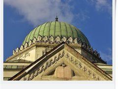 Losonci zsinagoga - tizparancsolat torolve ... by <b>ronihook</b> ( a Panoramio image )