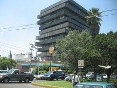 Edificio en Ave Palmas Mexico DF by <b>~??V?NT?~</b> ( a Panoramio image )