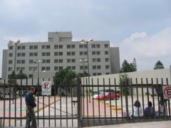 Hospital de Traumatologia IMSS Lomas Verdes by <b>~??V?NT?~</b> ( a Panoramio image )