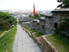 Hwaseon fortress (Suwon in background) by <b>Aloukian</b> ( a Panoramio image )