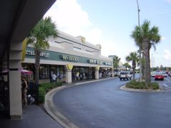 Belz Factory Outlet, Orlando by <b>Atila Yumu?akkaya</b> ( a Panoramio image )