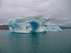 BLUE ICEBERGS / QOOROQ GLACIER by <b>DONALD</b> ( a Panoramio image )