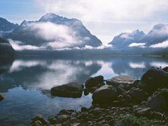 Tasersuaq Lake by <b>Dirk Jenrich</b> ( a Panoramio image )