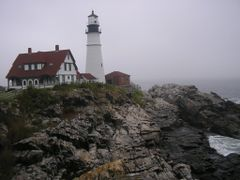 Fort Williams Lighthouse, Portland, Maine by <b>Moshe Shaharur</b> ( a Panoramio image )