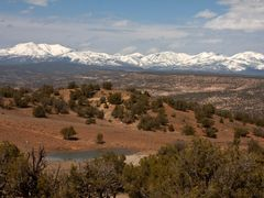 Blue Mountains of southeastern Utah looking towards North by <b>James N Perdue</b> ( a Panoramio image )