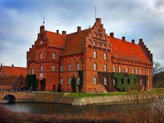 Gisselfeld Kloster by <b>Finn Lyngesen flfoto.dk</b> ( a Panoramio image )