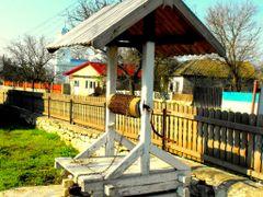 Fantana  traditionala -  Rustic well  -  Enisala village by <b>Lalyk</b> ( a Panoramio image )