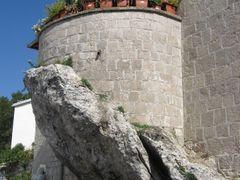 Ostrog - Terasa na steni by <b>sonjabgd</b> ( a Panoramio image )