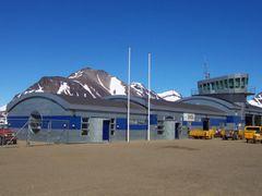Kulusuk Airport Terminal by <b>primebonk</b> ( a Panoramio image )