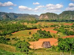 Vinales - Blick vom Los Jazmines by <b>Obstsalat</b> ( a Panoramio image )