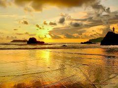 Playa Espadilla, Manuel Antonio, Puntarenas, Costa Rica ---Menci by <b>Melsen Felipe</b> ( a Panoramio image )