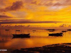 Dusk at the Beach.  Bantayan Island Cebu  by <b>francinelb3</b> ( a Panoramio image )