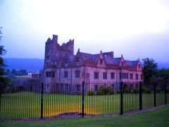 Ormond Castle - Carrick-on-Suir- Ireland by <b>Gina Pal</b> ( a Panoramio image )