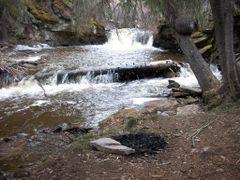 Dipper Falls Camp by <b>AverageJosh</b> ( a Panoramio image )