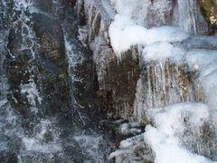 Mina Sauk Falls Ice by <b>mli13</b> ( a Panoramio image )