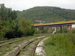 Most u Kursumliji - Leva pruga za Merdare, desna za zel stanicu by <b>Teca sa Dunava</b> ( a Panoramio image )