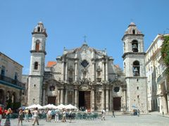 Habana cathedral by <b>Lucien Kivit</b> ( a Panoramio image )