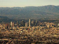 Los Angeles Skyline by <b>Storm Crypt</b> ( a Panoramio image )