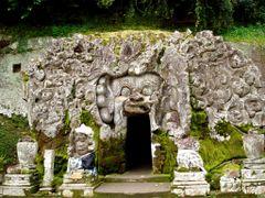 Goa Gajah (Elephant Cave), Gianyar-Bali by <b>Nona Yvette</b> ( a Panoramio image )