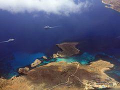 Comino,  Kek laguna / Blue Lagoon by <b>kerrentyu</b> ( a Panoramio image )